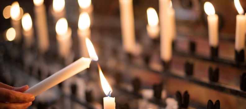 LAMBERTUSBASILIEK HENGELO OP ZATERDAGEN GEOPEND: CANDLE DAY